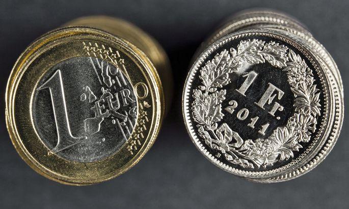 Symbolbild: Euro und Schweizer Franke