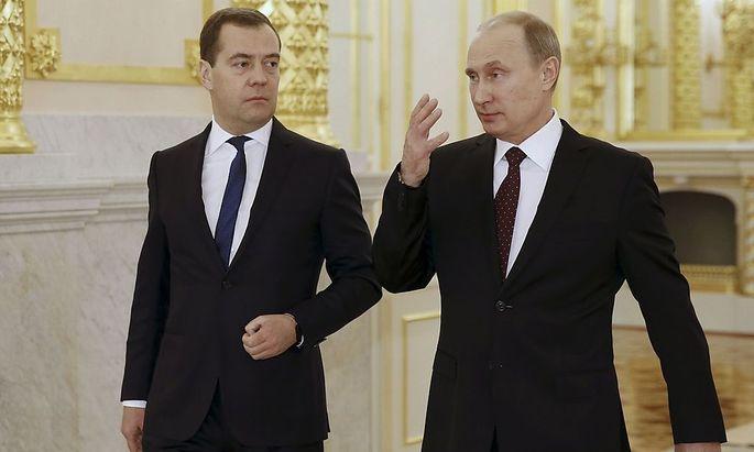Gar nicht erbaut von den Entwicklungen in der Ukraine: Russlands Präsident Putin und Premier Medwedjew
