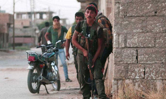Kurdische Kämpfer in Hassaka