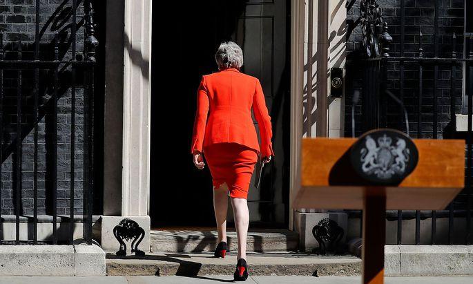 Theresa May kündigt Rücktritt an.