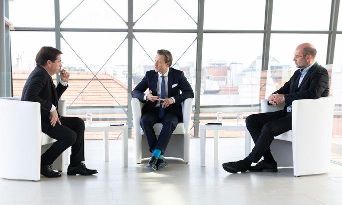 """""""Zwei so unterschiedliche Parteien haben am Ende einen gemeinsamen Weg gefunden"""", meint Finanzminister Gernot Blümel (ÖVP) zur Steuerreform."""