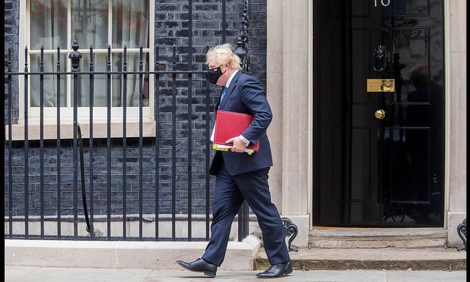 . 14/07/2021. London, United Kingdom. Boris Johnson PMQs. Prime Minister Boris Johnson departs Downing Street for PMQs a