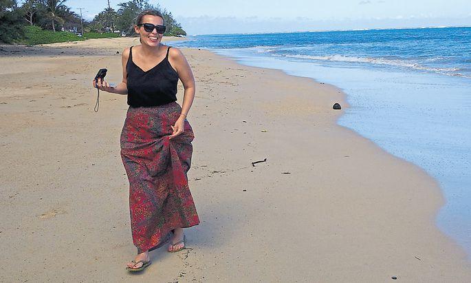 Waltraud Hable im vergangenen Jänner auf der Hawaii-Insel Oahu, nicht weit vom Waikiki Beach. Hawaii war nach Tansania, Südafrika und San Francisco der vierte Stopp auf ihrer Reise.