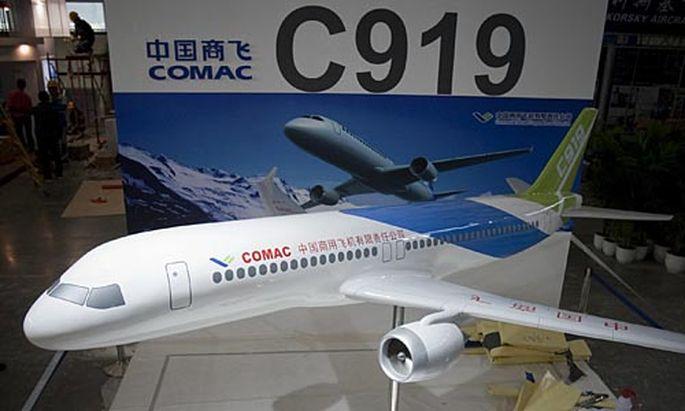 Ein Modell der C919