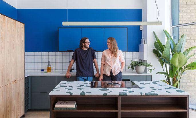 Holte Studio wurde gegründet von Tim und Fi Ginnett in London.