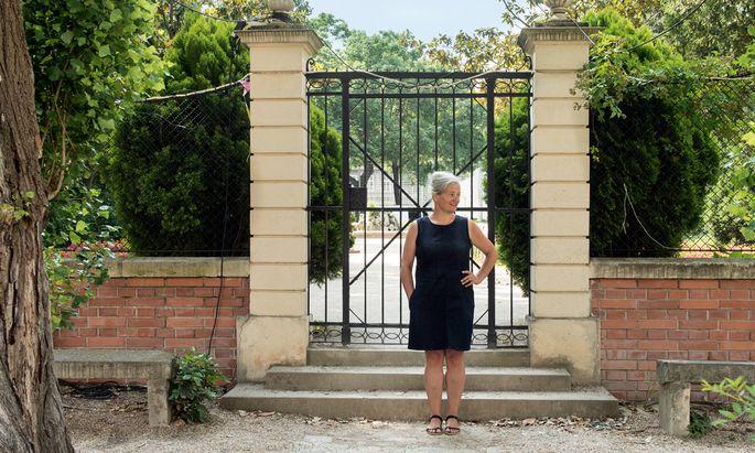 Garden Party. Im Garten des Palais Schönborn feiert Lilli Lička mit anderen Parkexperten.