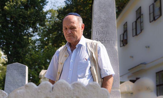 Wolfgang Sobotka (ÖVP) bei einem Besuch des jüdischen Friedhofs in Wien Währing.