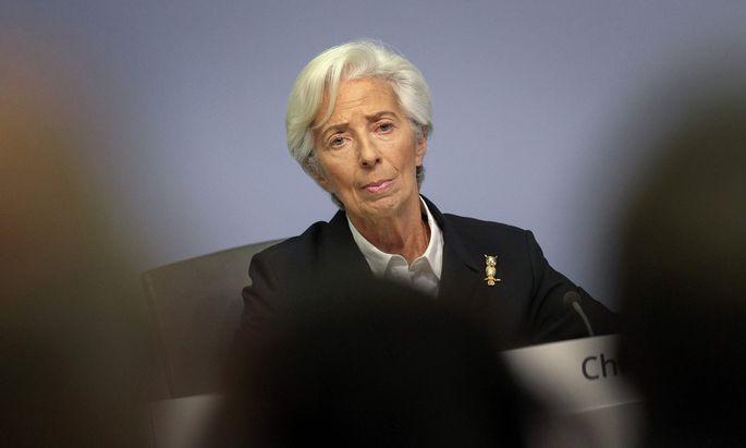 EZB-Präsidentin Christine Lagarde fordert die EU dazu auf, die Coronhilfen rasch auszuzahlen.