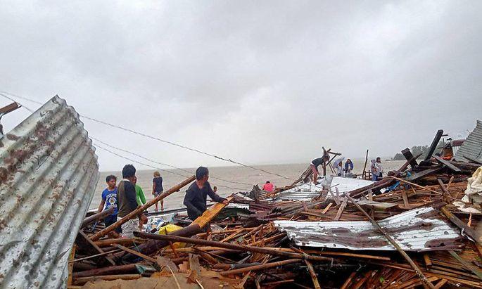 Ein Bild aus der Provinz Sorsogon, wo der Sturm zahlreiche Unterkünfte zerstörte.