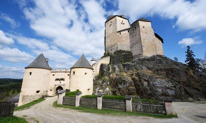 Auf Granitfelsen wurde die Burg Rappottenstein im Waldviertel einst erbaut – und später erweitert.