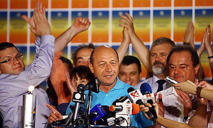 ROMANIA REFERENDUM ON PRESIDENT'S TRAIAN BASESCU'S IMPEACHMENT