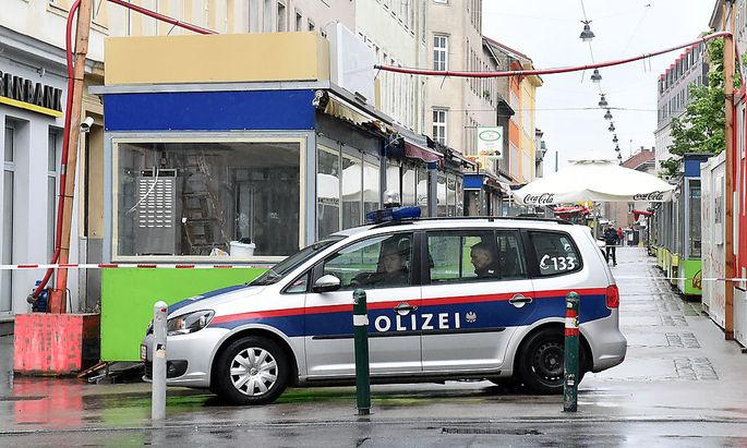 Archivbild: Polizei am Tatort