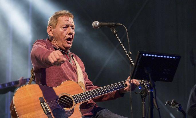 Wolfgang Ambros bei einem Konzert in Kufstein 2016