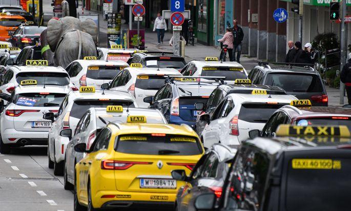 Die Taxi-Lobby fand Gehör in der Politik