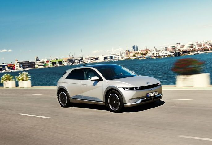Außen hui, innen vorbildlich: Mit dem 5 stemmt sich Ioniq zur elektrischen Submarke von Hyundai hoch, die Nutzung nachhaltiger Öko-Materialien inklusive.