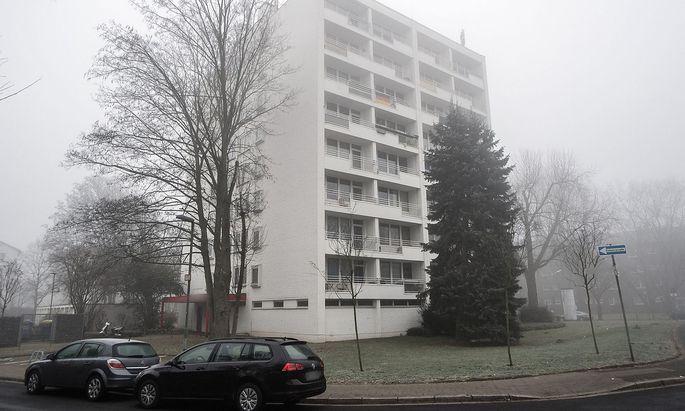 In diesem Haus in Neuss wohnt der 21-Jährige.