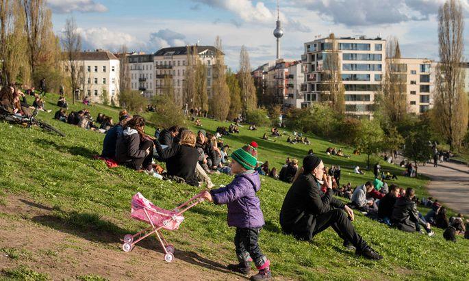 In Wien geht die Gentrifizierung deutlich langsamer als in Berlin (Bild: der Mauerpark). Aber der strenge Mieterschutz hat auch Nachteile.