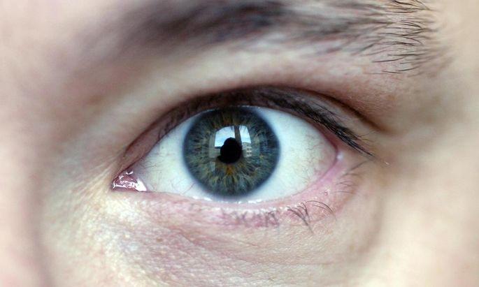Eine Impfung Auge