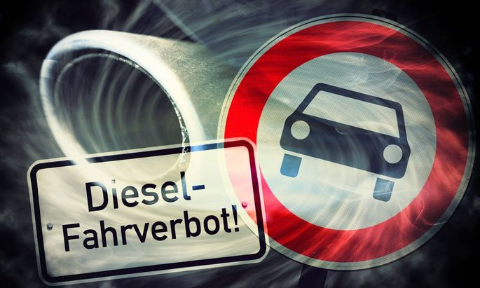 Verbotsschild und Autoauspuff mit Abgasen Diesel Fahrverbot