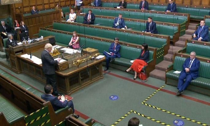 Die britischen Abgeordneten machen den Weg frei für viertägige intensive Parlamentsberatungen