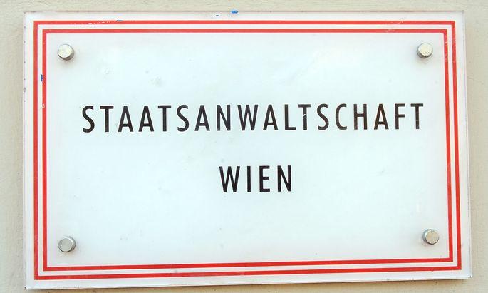 Die Staatsanwaltschaft Wien meint, das Opfer habe sich als Privatbeteiligte dem Verfahren angeschlossen. Dies beinhalte eine Ermächtigung zur Strafverfolgung wegen sexueller Belästigung.
