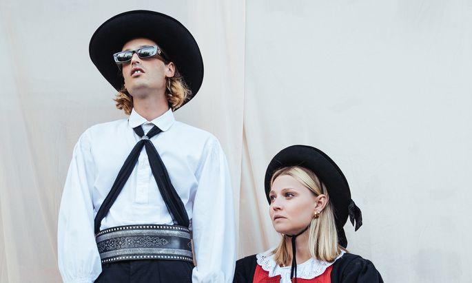 """Ihr neues Album harrt nur noch des Feinschliffs: das """"Anger""""-Duo Julian Angerer und Nora Pider."""