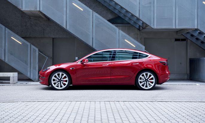 Rund 5000 Stück des neuen Tesla wurden in der Schweiz verkauft