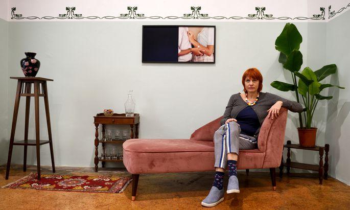 """Michaela Stock hat seit kurzem einen """"White Cube"""" im Internet – und nutzt dafür ihre Galerie als Ort der analogen Kommunikation."""