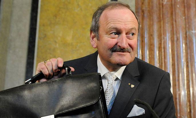 Ex-Vizekanzler Gorbach fordert Pension vom Land