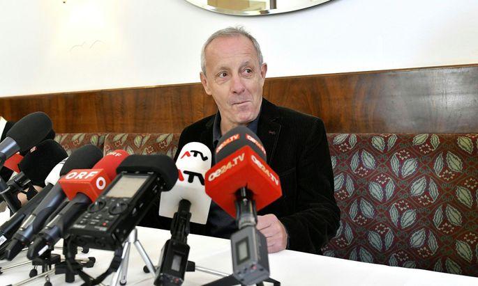 Peter Pilz bei seiner Pressekonferenz am Samstag