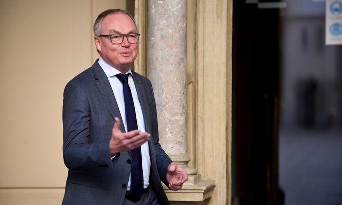 """Landeshauptfrau-Stellvertreter Stephan Pernkopf: """"Schulen als Erstes wieder öffnen."""""""