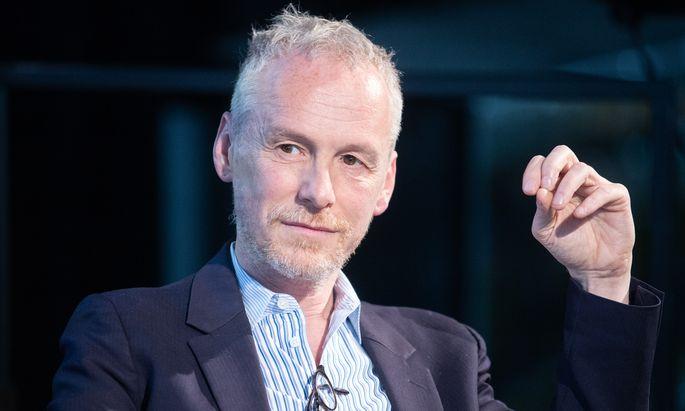 Festwochen-Intendant Christophe Slagmuylder hat einen Sechs-Jahres-Vertrag. Vielleicht besinnt er sich – und widmet sich später noch dem Sprechtheater.