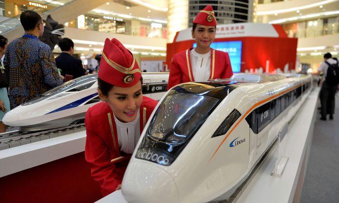 Die Seidenstraße ist ein logistisches Jahrhundertprojekt. Eine Zugverbindung führt über Zentralasien, die Türkei und Russland bis nach Deutschland.