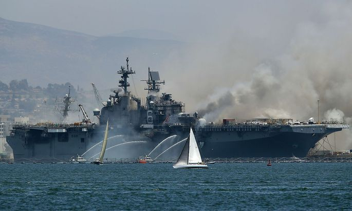 Die USS Bonhomme Richard