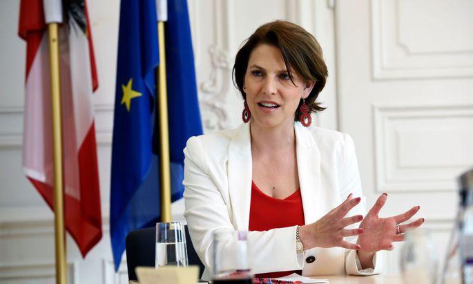 Kanzleramtsministerin Karoline Edstadler (ÖVP)
