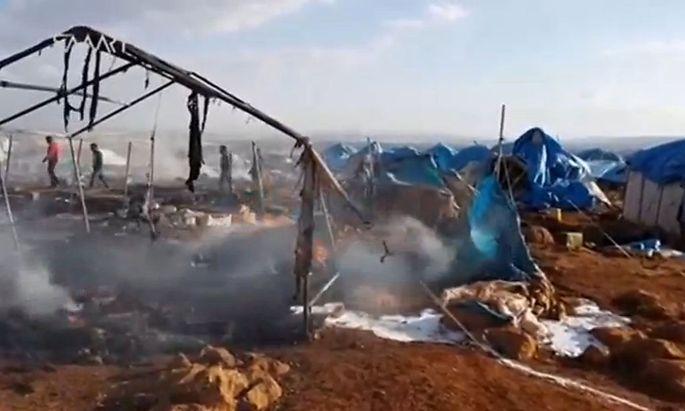 Wer hat das Flüchtlingslager in der Provinz Idlib angegriffen? Die syrische Regierung oder Islamisten?