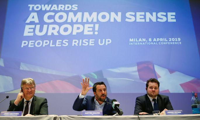 """Lega-Chef Matteo Salvini lud zur Gründung der """"Europäischen Allianz der Menschen und Nationen"""" nach Mailand."""