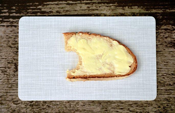 Brot und Gebäck machen 28 Prozent der Lebensmittel, die im Müll laden, aus. Gefolgt von Obst und Gemüse (27 %).