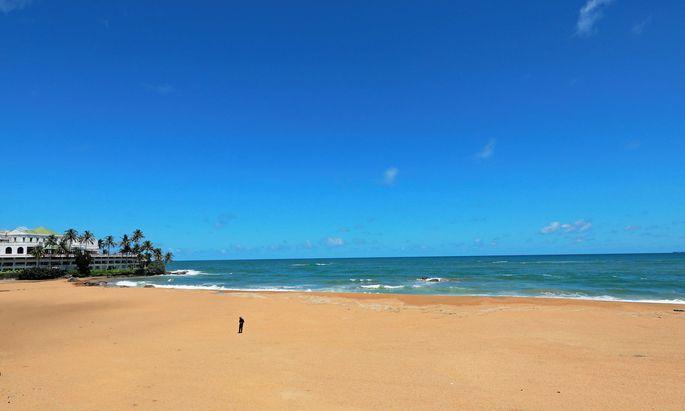Vorübergehend. Leere Strände (wie hier in Sri Lanka) werden nicht leer bleiben: Der Druck des Tourismus ist groß, der coronabedingte Undertourism wird bald vorbei sein.