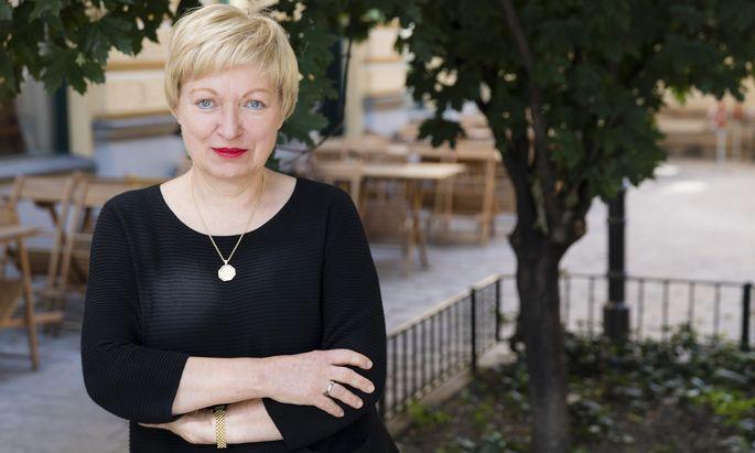 """""""Das Theater macht einen mutig"""", sagt Karin Bergmann."""