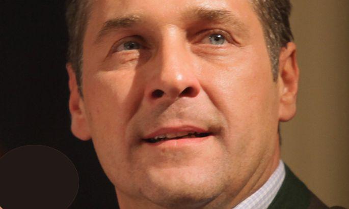 Skandal Strache haelt Totenrede