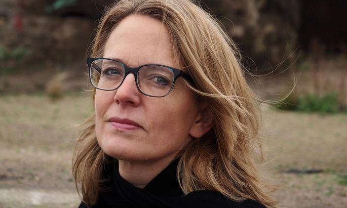 Die deutsche Journalistin und Autorin Nora Luttmer.