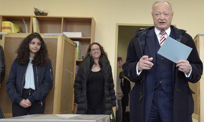 Bei der Stimmabgabe war Andreas Khol noch optimistisch.