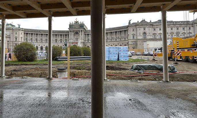 Baustellenbesuch auf dem Heldenplatz für das Parlamentsgebäude