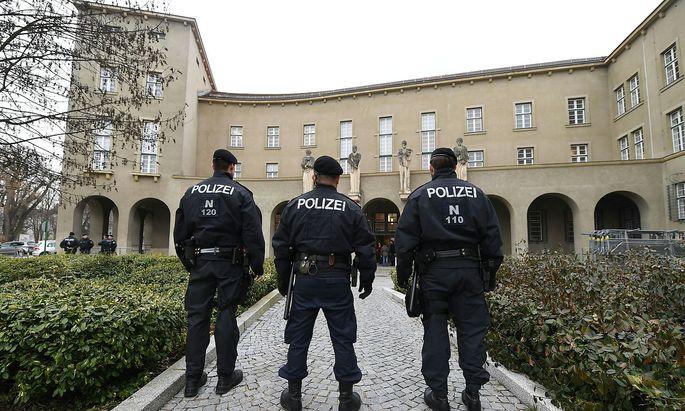 In den vergangenen Wochen und Monaten gab es schon einige Prozesse gegen mutmaßliche Staatsverweigerer, hier am Landesgericht Krems.