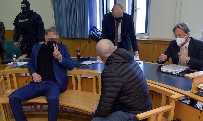 Als Sittenwächter standen fünf tschetschenische Männer in Wien vor Gericht.