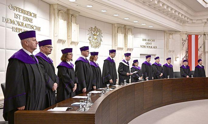 Gelingt es den Antragstellern, das Plenum des VfGH zu beschäftigen?