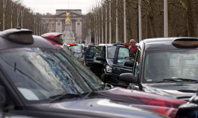 FILES-BRITAIN-US-TRANSPORT-TAXI-BUSINESS-UBER
