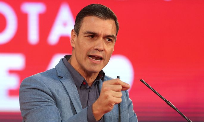 FILE PHOTO: Spanish acting Prime Minister and Socialist Workers' Party (PSOE) leader Pedro Sanchez attends a campaign closing rally ahead of general election, in Alcala de Henares