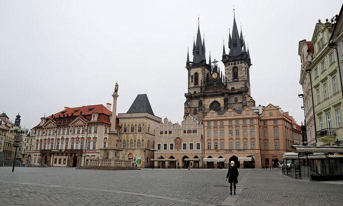 The coronavirus disease (COVID-19) outbreak in Prague